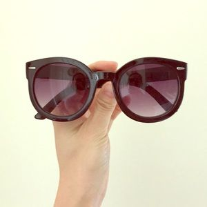 MOVING SALE Classic Black Tinted Sunglasses